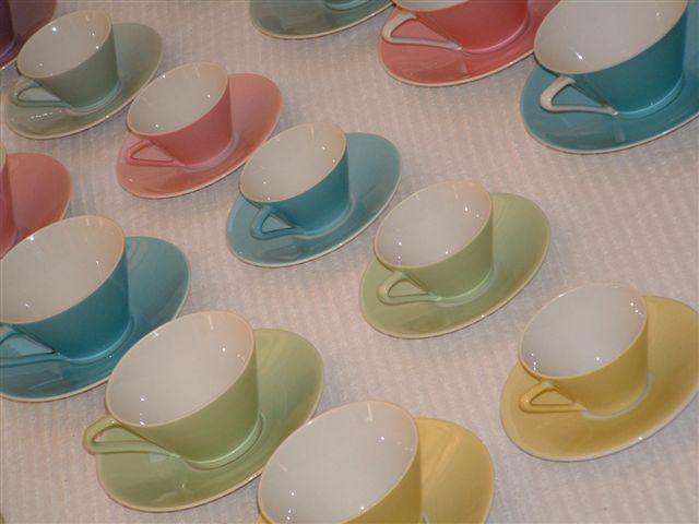 lilienporzellan das pastellfarbene geschirr aus wilhelmsburg. Black Bedroom Furniture Sets. Home Design Ideas